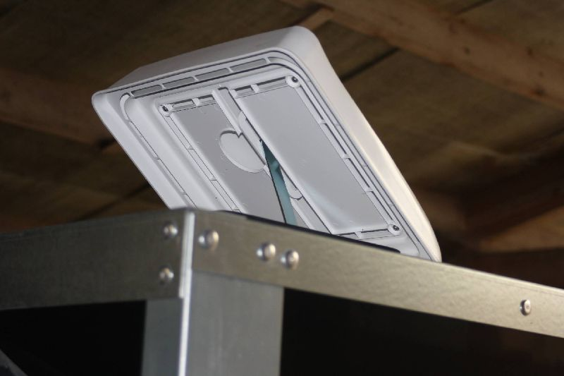 Trailer Extra Options Roof Vent